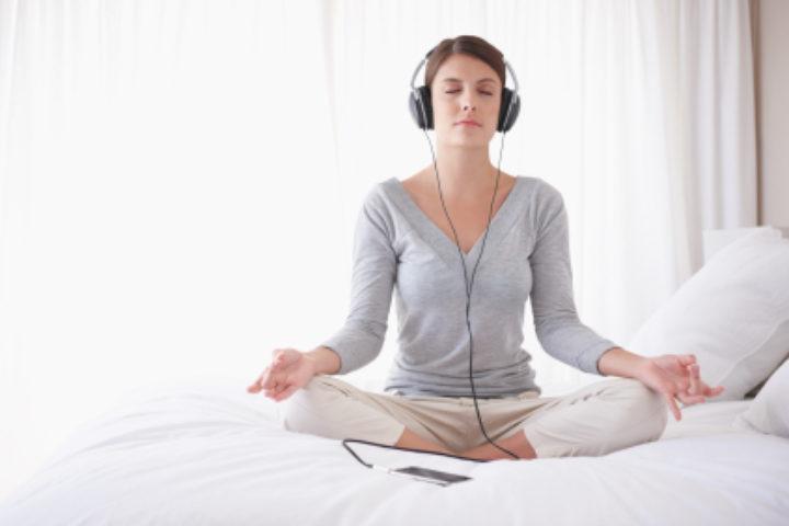 Lær mindfulness – hjemme fra din egen sofa